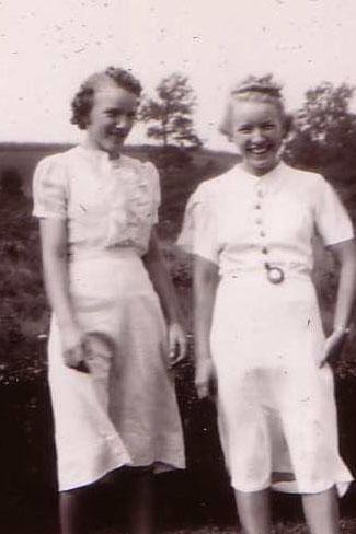 Edna & Sister Ruthie (1939)